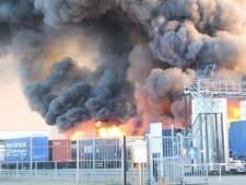 Explosies en grote brand chemiebedrijf Oosterhout
