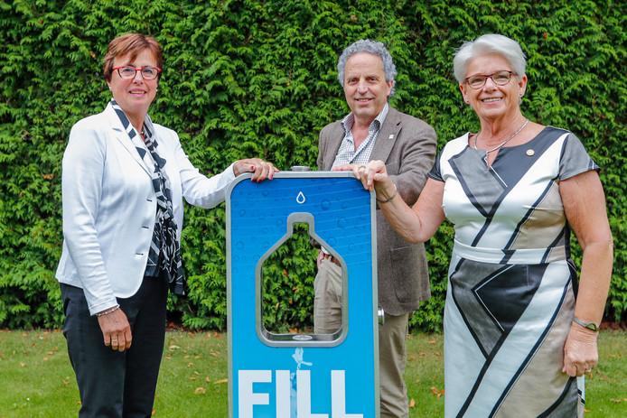 Anja Thijs, Hans Verhoeven en Addy Goudsmits (vlnr) willen overal tappunten plaatsen.