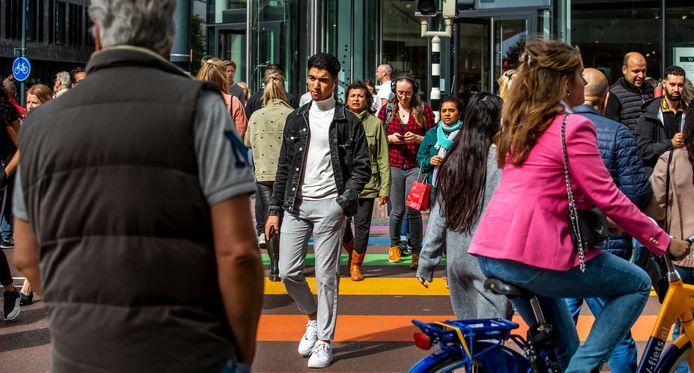 Drukte op zaterdag in het centrum van de Utrechtse binnenstad.