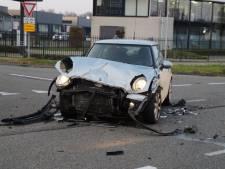 Gewonde bij ongeluk met twee auto's in Nieuwkuijk