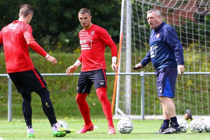 Ron Jans begint de oefencampagne bij FC Twente met een duel tegen Excelsior'31.