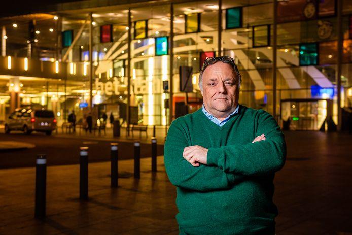 Viroloog Marc Van Ranst trekt aan de alarmbel.
