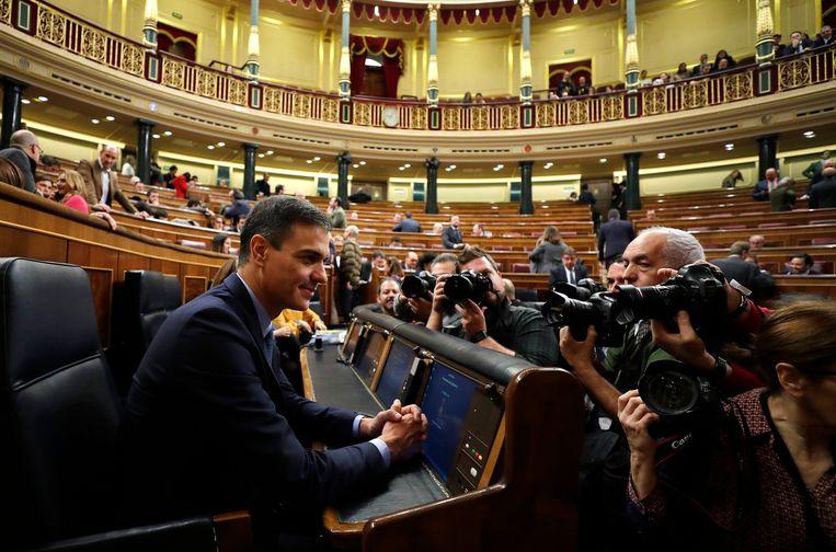 De sociaal-democratische premier Sánchez in het parlement. Beeld AP