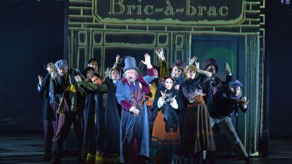 IN BEELD. BV's in kerstsfeer op première musical 'Scrooge'