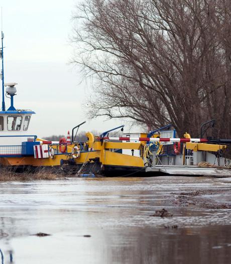 Veerpont Brummen-Bronkhorst uit de vaart vanwege hoog water op de IJssel