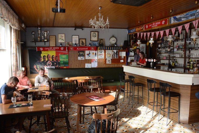 Het café dateert uit 1935 en is nog een echte bruine volkskroeg.