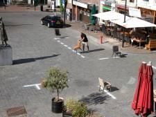 Belijner van NEC zet strakke kalkstrepen op Nijmeegse terrassen: 'onze lijnen zijn ook hier zeer geschikt voor'