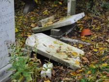 Weer graven vernield in Arnemuiden; 'Dit is zeer pijnlijk voor nabestaanden'