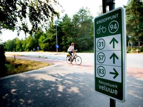 Wie saboteert de fietsknooppunten op de Veluwe?