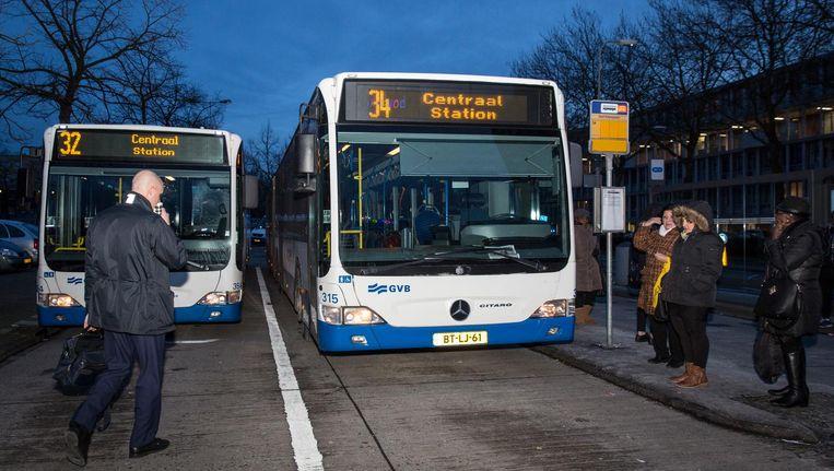 Een buschauffeur van het GVB werd in september 2016 bespuugd. Beeld Dingena Mol