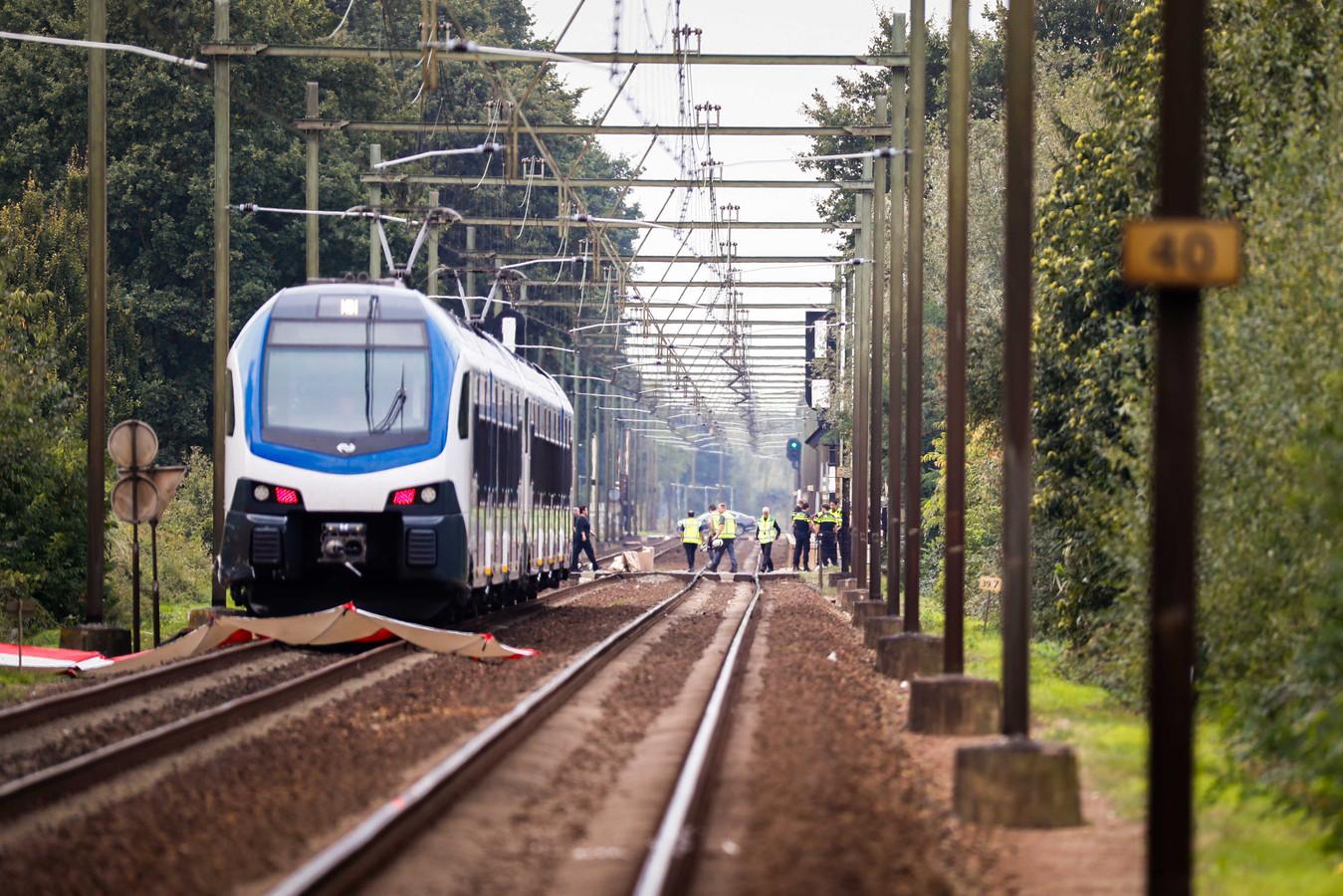 De trein die betrokken was bij het ongeluk waarbij meerdere doden en zwaargewonden vielen
