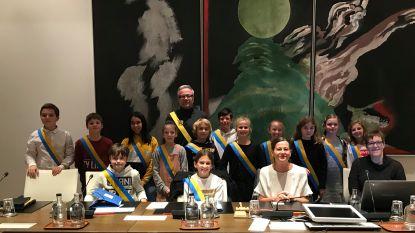 "Jitte (11) is nieuwe kinderburgemeester: ""Stem vertegenwoordigen van alle Aartselaarse kinderen"""