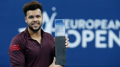 Tsonga pakt in Antwerpen zestiende ATP-titel