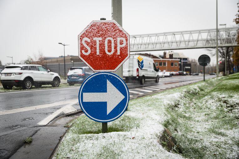 20171130 Gent België: Eerste sneeuwval op Vlaamse wegen.
