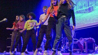 Scholen brengen leerlingen dichter bij elkaar met eigen theaterstuk
