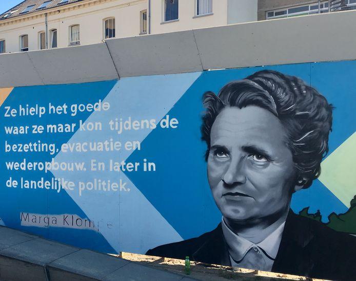 Het eerbetoon aan Marga Klompé.