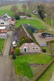 Niet alleen de monumentale status van een oude boerderij houdt supermarktplan Rouveen nog tegen