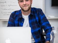 Aardrijkskundeleraar Hidde (27) vernieuwt zijn vak door te rappen