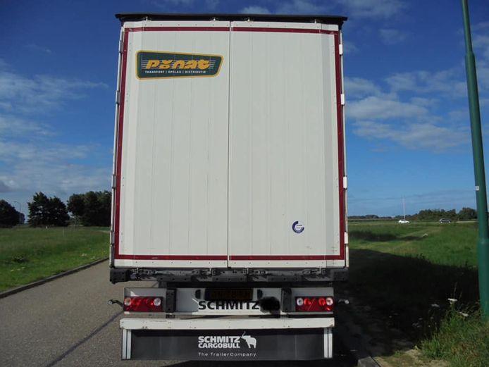 Dit is de oplegger die werd gestolen bij het transportbedrijf in Giessen.