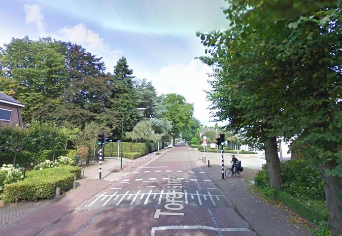 De enige verkeerslichten in de gemeente Haaren aan de Torenstraat in Helvoirt.