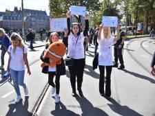 Demonstratie tegen heroprichting 'pedopartij' PNVD in Den Haag rustig verlopen
