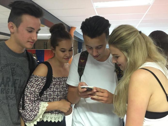 Leerlingen van KSE buigen zich over de Pokemon Go app