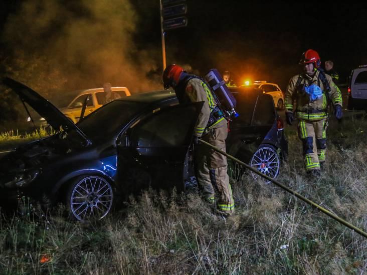 Brandende auto gevonden langs Rijpelbaan in Helmond