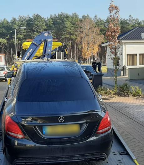 Politie doet inval op woonwagenkamp Zeist bij landelijk onderzoek naar wapenhandel