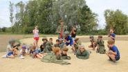 Zes- tot achtjarigen leven zich uit op legerkamp aan de Donk
