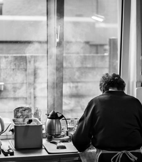 Binnen kijken in het café van Zus: Café Centraal leeft voort tussen twee kaften
