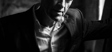 Stef Bos is populairder dan ooit: 'Het gaat niet om de aandacht en het applaus, maar om de schoonheid'