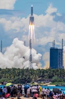 Chinese sonde Hemelse Vragen begint aan marathonreis naar planeet Mars