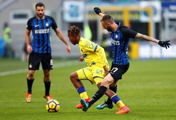 Bastien met Chievo  tegen Inter en Brozovic.