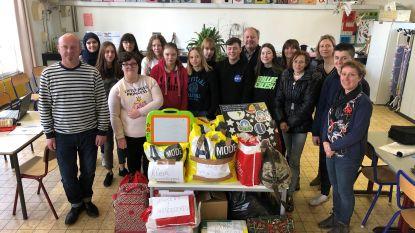 Leerlingen Technisch Atheneum Ieper verzamelen kleding en speelgoed voor Ons Tehuis