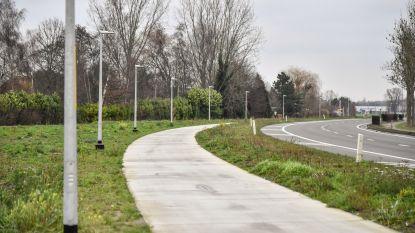 Binnenkort verlichting langs fietssnelweg