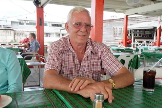 Nico van Empel (67) is nu gepensioneerd crimineel, uitgeweken naar Thailand. Maar de Hagenees met o zo herkenbaar accent kan zich die tijd perfect herinneren. ,,Criminaliteit was gewoon makkelijker dan nu,'' vertelt hij, zoals de voormalig inbreker en oplichter wel duizend verhalen heeft.