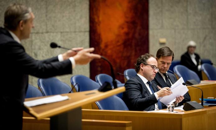 Minister Wouter Koolmees, premier Mark Rutte en CDA-Kamerlid Sybrand Buma tijdens het debat over de misgelopen onderhandelingen rond een nieuw pensioenakkoord