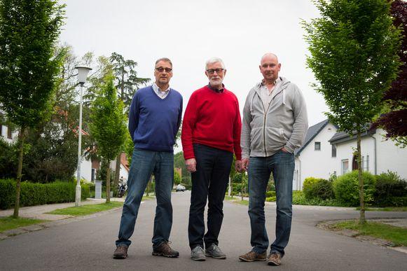 Leo Buelens, Leo Mampaey en Ben Ansloos van Actiegroep 'Fase3' protesteren tegen de doortrekking van de Expresweg fase 3.