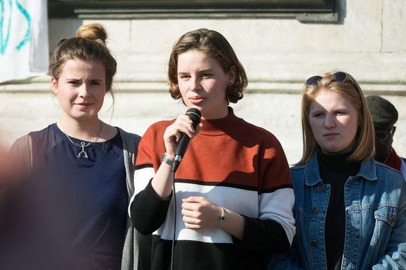 Anuna De Wever en Kyra Gantois namen gisteren samen met Greta Thunberg deel aan de klimaatmars in Parijs.