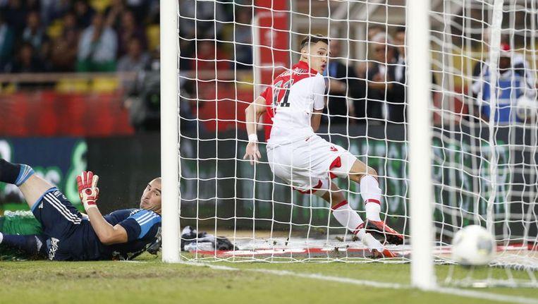 Lucas Ocampos maakt de winnende voor Monaco. Beeld afp