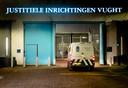 De arrestantenbus die op 16 januari Johan van Laarhoven aflevert bij de gevangenis in Vught.