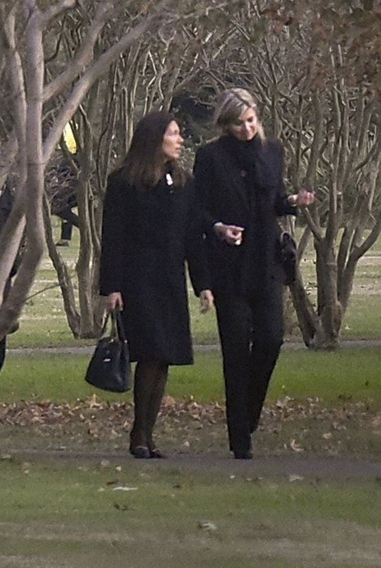 Máxima zakte naar Argentinië af voor de begrafenis van haar zus.