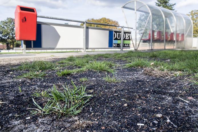 De rubberkorrels werden gevonden op het terrein van voetbalvereniging Vogido.