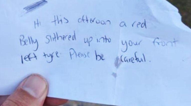 Het briefje dat Michael Garbutt onder zijn ruitenwisser vond.