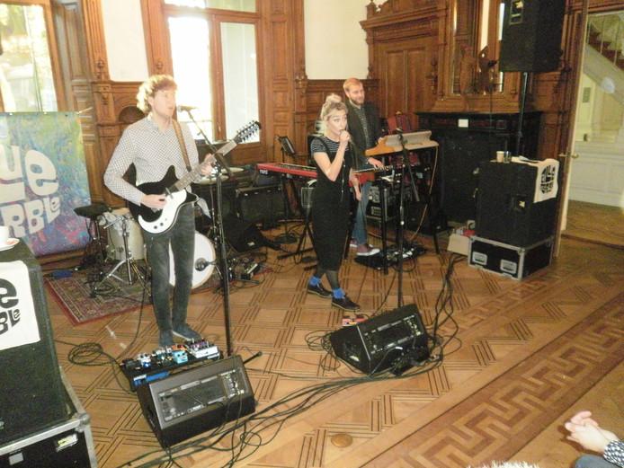 Rockgroep Blue Marble in de Trouwzaal van Museum Jan Cunen.