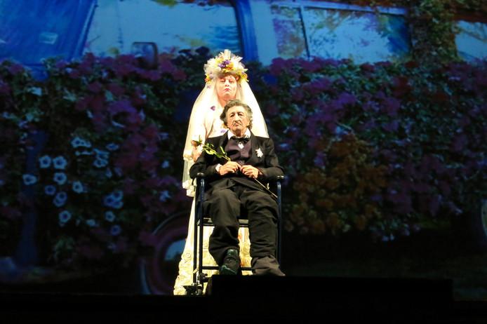 Karine De Villers en Mario Brenta in Orchids. Foto Compagnia Pippo Delbono