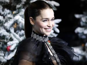 """Emilia Clarke: """"Les réalisateurs de GOT m'ont fait tourner nue pour ne pas décevoir les fans"""""""
