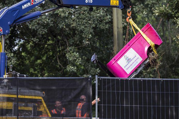 De Stint, een elektrische bolderkar, werd enkele uren na de fatale aanrijding  van de sporen getakeld.