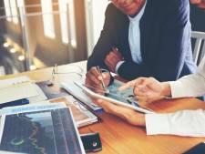 Les investisseurs débutants doivent faire attention aux frais