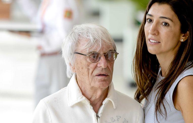 Bernie Ecclestone en zijn vrouw Fabiana Flosi in 2016. Zijn oudste dochter is 65, zijn vrouw van 44 beviel woensdag van zijn eerste zoon: Ace.